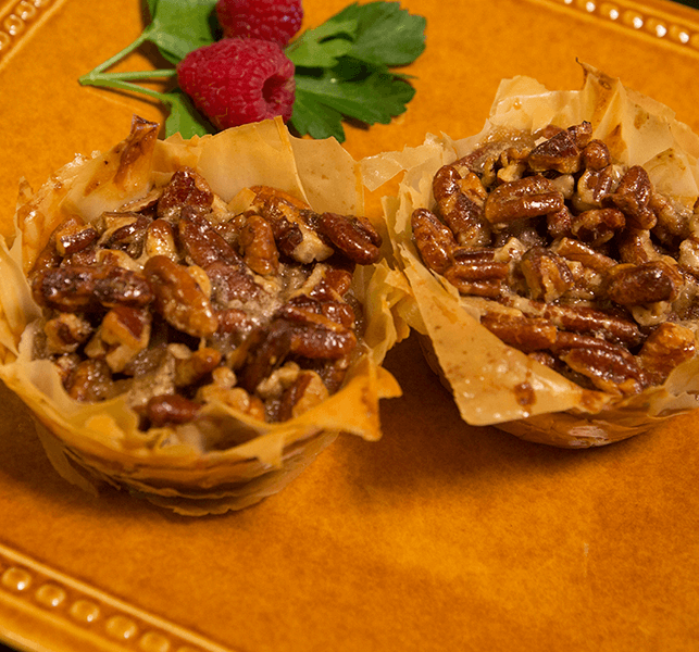 stacks mini pecan phyllo tarts lucy says mini phyllo pecan tarts ...