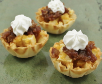 Apple Buttered Bacon Cheddar Cups