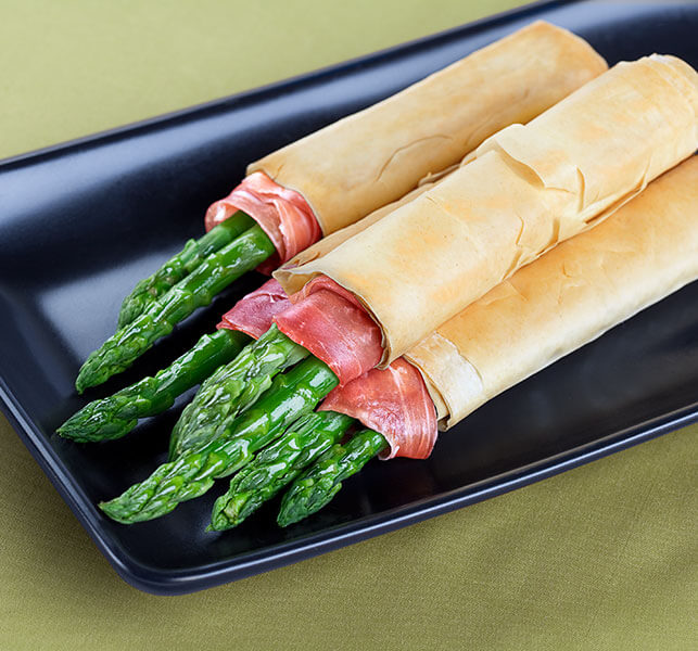 Phyllo-Wrapped-Asparagus_643x600